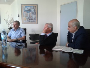 Meetings with the Chief Scientist: from right to left Mr Yossi Smaller, Chief scientist of technological incubators, Ministry of economy of Israel, Mr Nelson Ortega Minister of Agriculture of Misiones and Ing. Mario Antonio Cebey